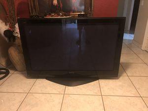 Panasonic 52 inch for Sale in Hialeah, FL