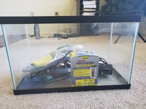 10 Gallon Fish tank and startup kit for Sale in Parlin, NJ