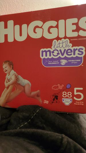 Huggies little movers Size 5 for Sale in La Puente, CA