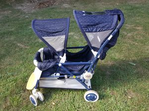 Graco Dou Limited 2. Double Baby stroller for Sale in Chardon, OH