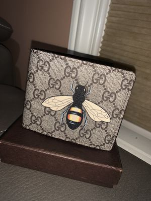 Gucci wallet for Sale in Flossmoor, IL