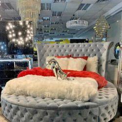LUXUS VELVET GRAY KİNG STORAGE PLATFORM BED ☑️INSTOCK ♦️NEW ✨SAME DAY for Sale in Arlington,  VA