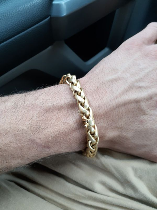 18kt (36.6g) gold bracelet