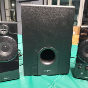 Insignia 2.1 Computer Speaker System (3 piece) for Sale in Fort Worth, TX
