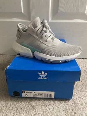Women's adidas POD size 6 in gray for Sale in Silver Spring, MD
