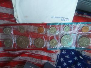 1977 uncirculated coin set. for Sale in Menomonie, WI