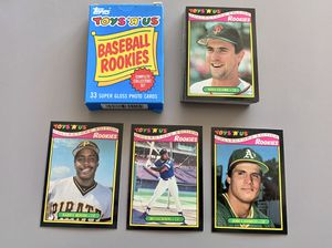 TOPPS TOYS R US 33 ROOKIE BASEBALL CARD SET WITH BOX for Sale in Eugene, OR