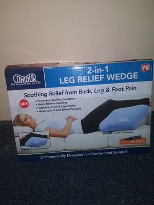 Leg pillow w/ air pump for Sale in Quincy, IL