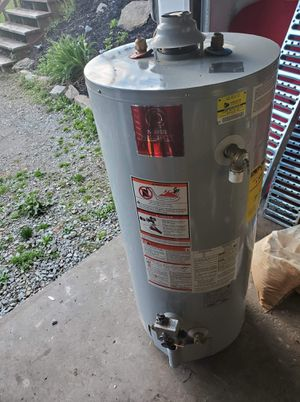 2010 water heater for Sale in North Versailles, PA