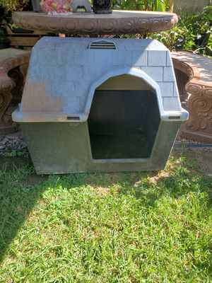 🐕 Dog house for Sale in Lakewood, CA