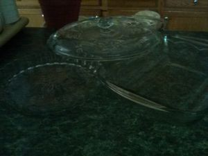 Baking Pie pans glass and a set of cooking glass ware 3 piece set for Sale in Carrollton, GA
