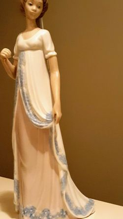 Lladros Porcelain Figurine for Sale in Kent, WA