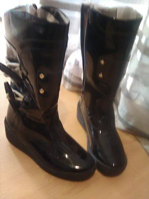 Burberry Black Patent Leather Mid-Calf Rain Snow Winter Wedge Zip Boots Size 7 for Sale in Las Vegas, NV