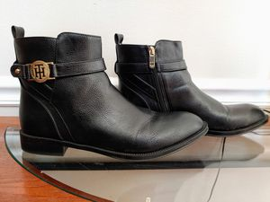 Tommy Hilfiger Boots for Sale in Imperial, MO
