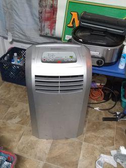 Edgestar 12000 BTU Portable Air Conditioner / Dehumidifier / Heater for Sale in Portland,  OR