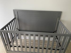 Baby crib for Sale in Renton, WA