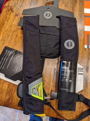 Manual Inflatable PFD lifejacket new in packaging for Sale in Lake Stevens, WA