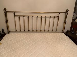 King bed (includes mattress, frame, box spring) for Sale in Queens, NY
