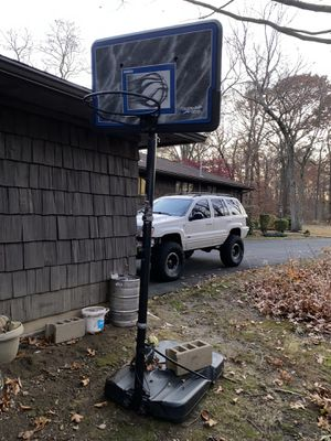 Basketball hoop for Sale in Shelton, CT