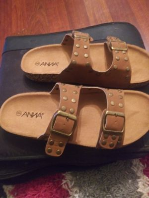 Anna sandals size 8-9 for Sale in Unionville, MO