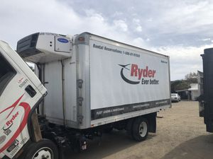 Isuzu box 16ft with carrier refer refrigeration unit for Sale in Hayward, CA