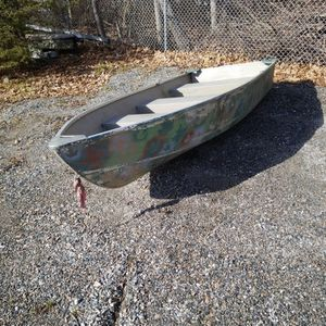 Awesome 12 FT Aluminum John Boat Mint Camo Paint for Sale in Waterbury, CT