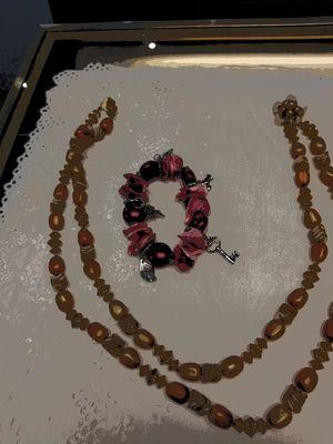 Vintage beaded necklace & bracelet for Sale in Zephyrhills, FL
