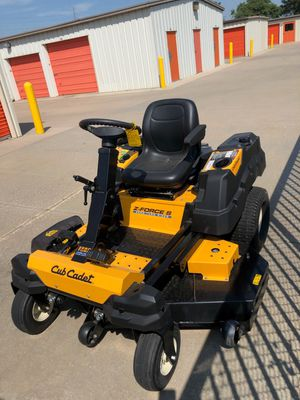 """60"""" Cub Cadet Z-Force S 25 HP zero turn ridding lawn mower for Sale in Andover, KS"""