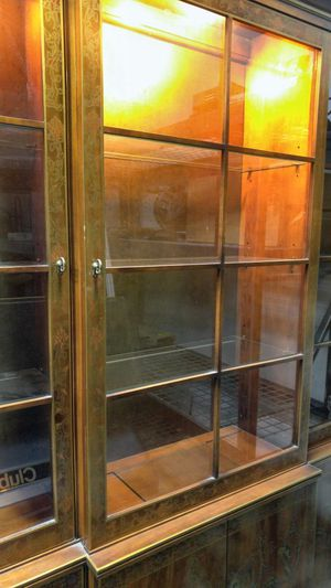 DREXEL HERRITAGE. CHINA CABINET: for Sale in Palm Desert, CA