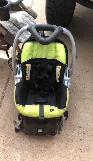 Infant car seat with base for Sale in Phoenix, AZ