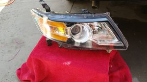 Honda Odyssey right headlight for Sale in Paramount, CA
