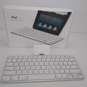 Apple iPad Keyboard Dock A1359 White No Charger Adapter Works for Sale in Cleveland, OH