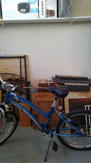 Ladies schwinn midtown 21 speed - Blue for Sale in Leander, TX