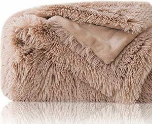 BEDSURE PLUSH FAUX FUR REVERSIBLE FLEECE BED THROW for Sale in Los Angeles, CA