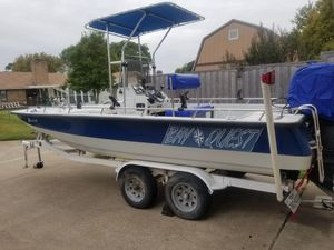 98 Bay Quest Center Console for Sale in Garland, TX