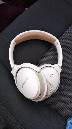 Bose wireless headphones for Sale in Tustin, CA