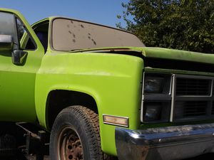 1984 GMC bed & front end, doors w/power windows for Sale in Bakersfield, CA