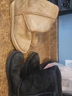 Size 7 women's bearpaw winter boots. for Sale in North Huntingdon, PA