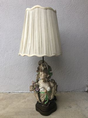 """French Provincial Antique """"Lady"""" Lamp for Sale in Claremont, CA"""