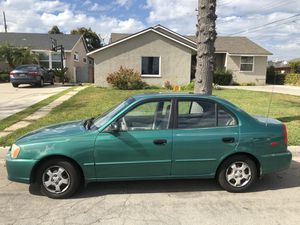 Hyundai Accent 2001 Green Car for Sale in Whittier, CA