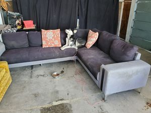 Free sectional 2 piece sofa couch !!!!please read!!!! for Sale in Long Beach, CA