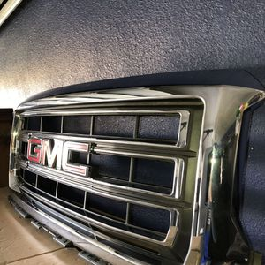 GMC SIERRA 14' Front Grill for Sale in Madera, CA