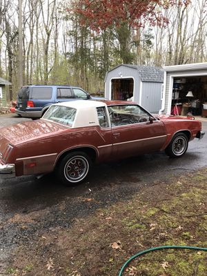 "78"" Oldsmobile cutlass supreme for Sale in Wallingford, CT"