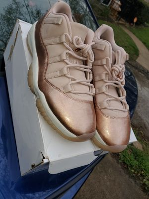 Jordan 11 retro rose gold for Sale in Hazelwood, MO