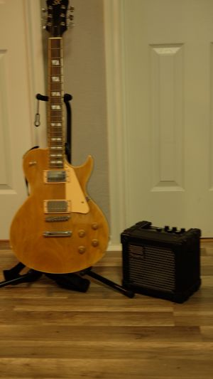 Guitar and Roland mini cube amp for $150!! for Sale in Arlington, TX