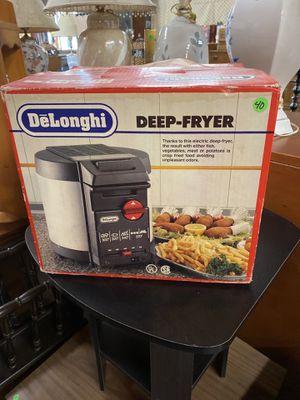 OR27 DeLonghi Electric Deep-Fryer for Sale in Bellingham, MA