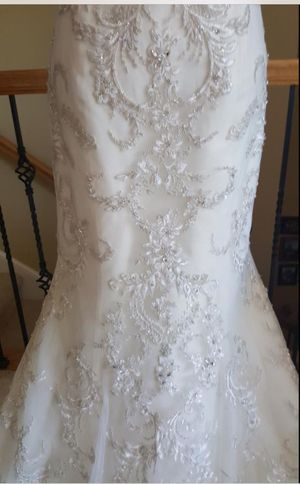 Wedding dress maggie sottero and midgley size 12 for Sale in Plainfield, IL