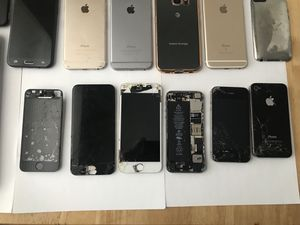 Big lot of water damaged cell phones, IPhone 6, 6s, Galaxy S6 for Sale in Philadelphia, PA