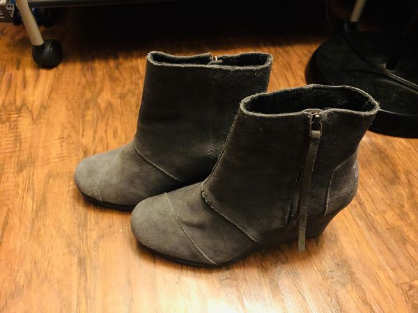 TOMS Dark Grey Suede Women's Desert Wedge Highs - Size 7.5