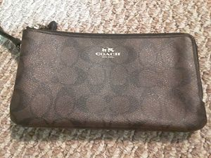 COACH DOUBLE WALLET for Sale in Chicago, IL